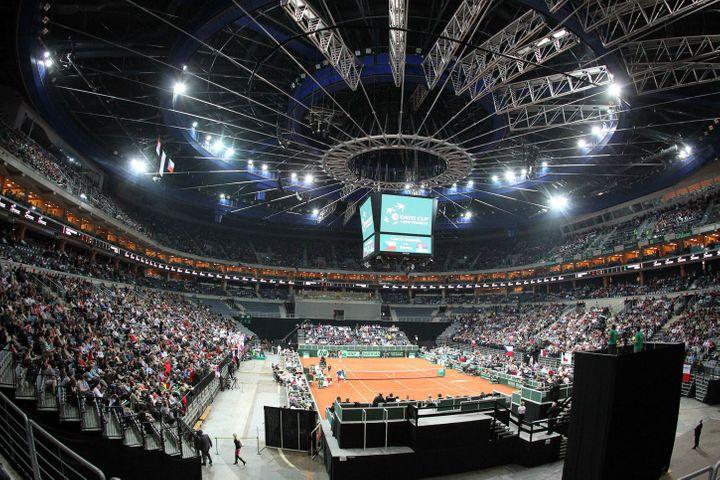 O2 aréna v tenisovém na španělsko v listopadu při finále davis