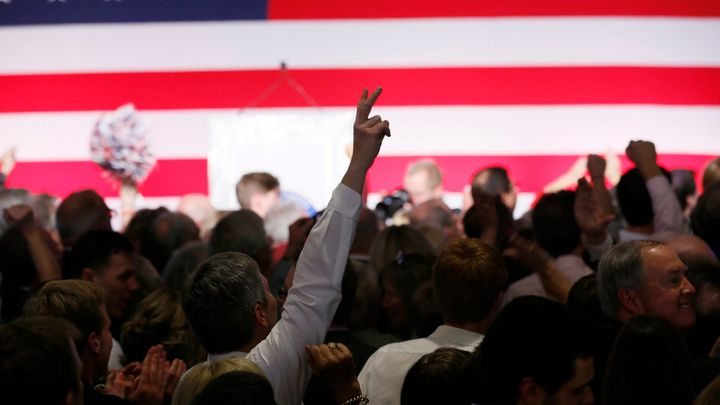 Lidí bez práce v USA výrazně ubylo. Fed zvažuje vyšší sazby