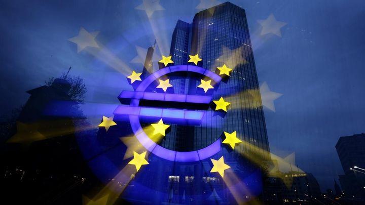 Kdy budeme platit eurem? Česko je připravené, ale počká si