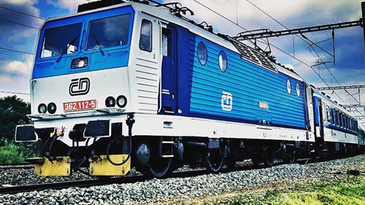 V Táboře srazil vlak člověka, ten na místě zemřel. Provoz na trati z Prahy do Budějovic byl omezený