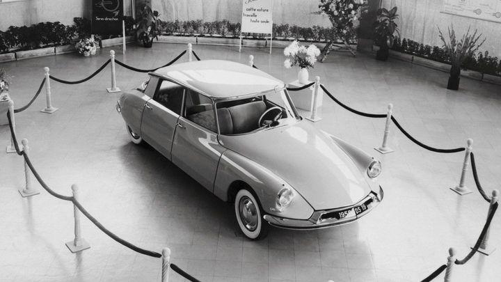 Fantomasův vůz Citroën DS má 60 let. Oslavy začnou v Paříži