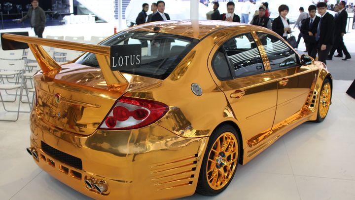 Nová auta z Číny: Jiný vkus, zlatý vůz, kopie i papaláši