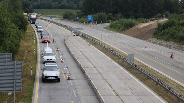 Silničáři otevřou nový úsek D1 mezi Loktem a Hořicemi