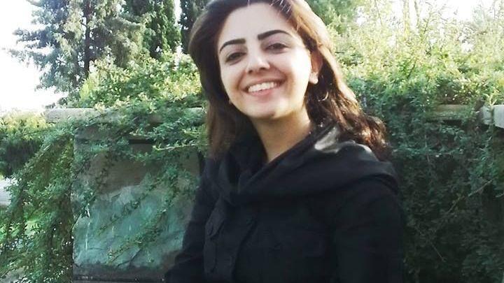 9b67f92544d Ženy z Íránu se tajně fotí bez šátků - Aktuálně.cz