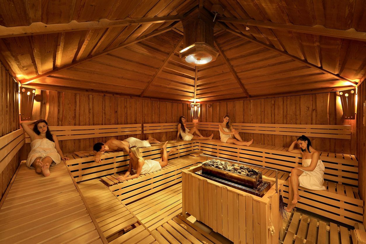 Infinit sauna magaz n pro eny for Prague bathhouse