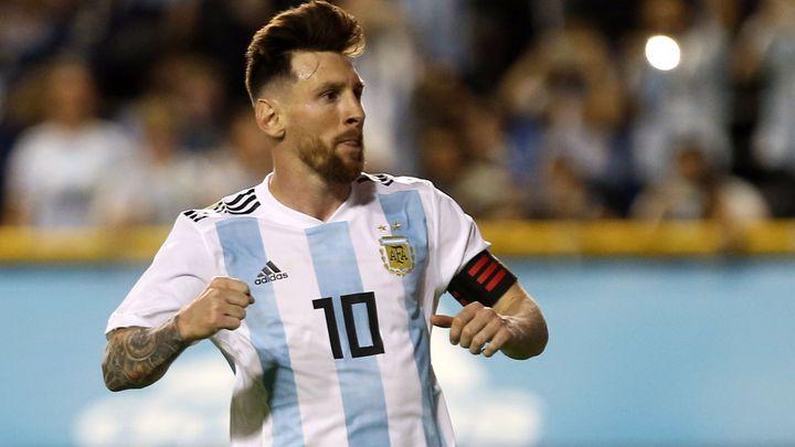 Nejdivnější gól v argentinském dresu. Messi načal Uruguay bizarní trefou; Zdroj foto: Reuters
