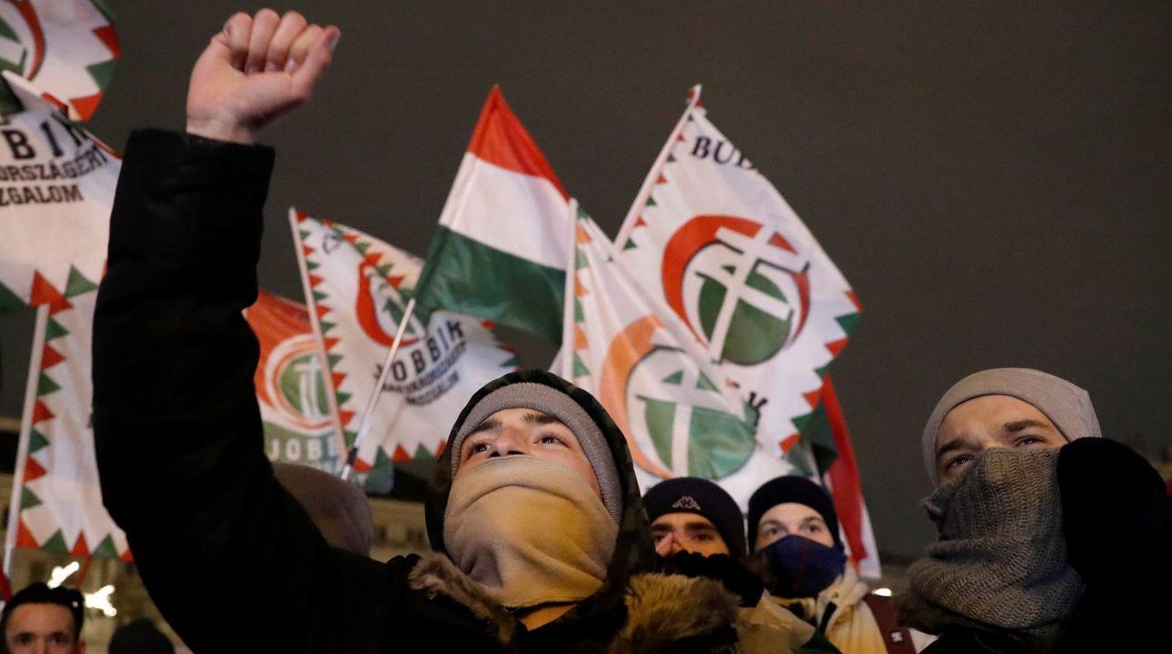 """Orbán brání """"otrocký zákon"""", protestům odmítá ustoupit. Za vše podle něj může Soros"""