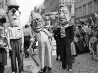 Foto: Bizarní, brutální i překvapivý, takový byl 1. máj za komunistů