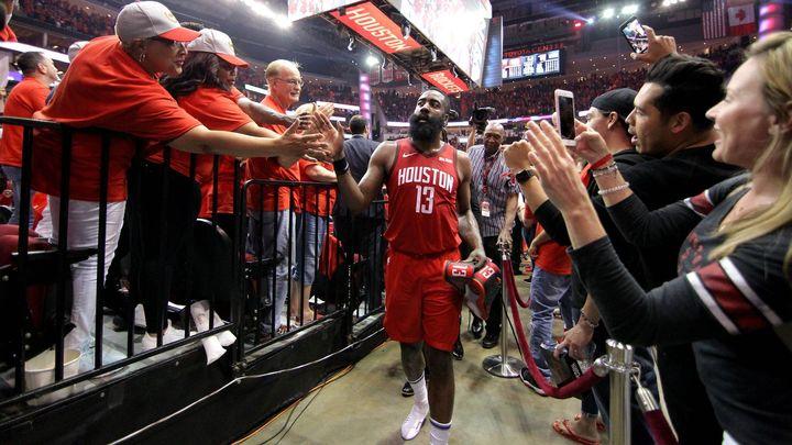 Clippers vyhráli v hale Golden State, Houston postoupil