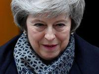 Mayová měla představit plán B brexitu. Místo toho chce dál přesvědčovat své kritiky