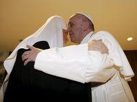 Konečně se vidíme! vítal papež František patriarchu Kirilla. Obě církve se sešly po 1000 letech