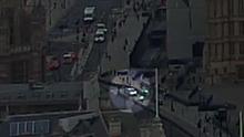 Terorismus v Londýně. Řidič záměrně najel do bariér u parlamentu