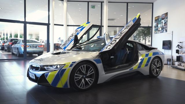 Policie dostala nové BMW i8