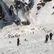 Prohledávání rozsáhlé laviny ve Švýcarsku skončilo, jeden člověk zemřel