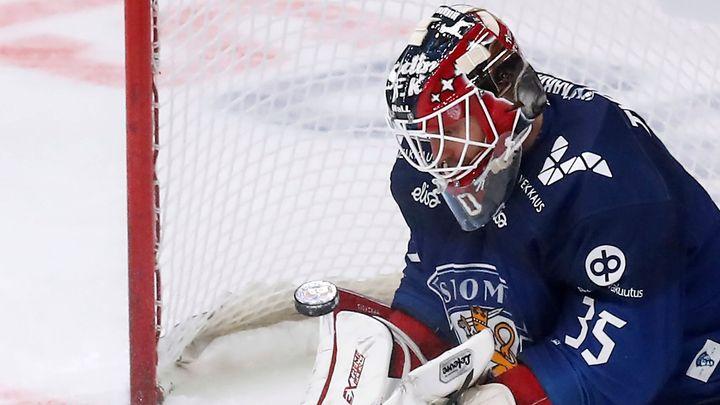 """Je to úžasný pocit."" Finský gólman Tuohimaa završil triumf nad Švédy gólem"