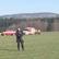 Na Náchodsku se zřítil vrtulník, po pádu začal hořet. Dva lidé havárii nepřežili