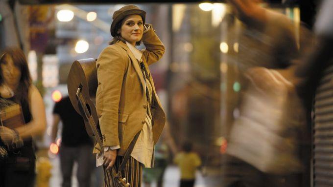 Na Strunách podzimu vystoupí Madeleine Peyrouxová, Gidon Kremer nebo Kae Tempest