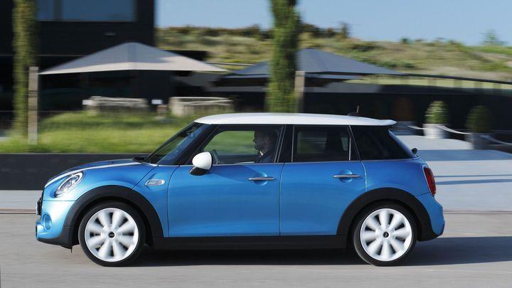 BMW přichází s další revolucí. Mini má teď i pět dveří