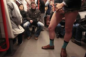 "Oslava bláznovství: To je ""No Pants Subway Ride"""