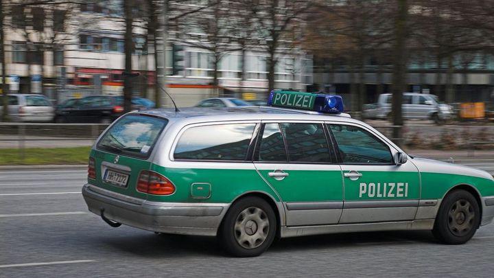 Patnáctiletý chlapec v Německu ubodal svého spolužáka. Policie školu evakuovala