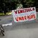 Venezuelci proti Madurovi. V zemi začala dvoudenní generální stávka, lidé staví barikády