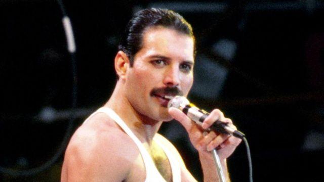 Zit Do Sedmdesati By Byla Nuda Rikal Freddie Mercury Nemoci Aids