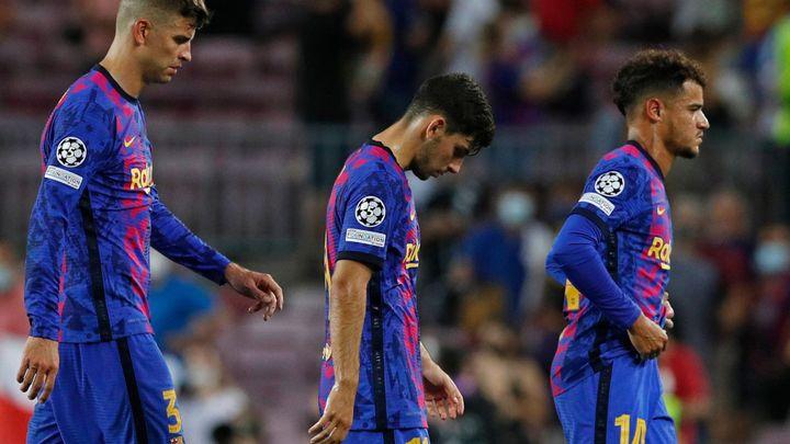 """""""Barcelona pohřbívá svou velikost."""" Španělé po ostudné prohře tepou Koemanovu partu; Zdroj foto: Reuters"""