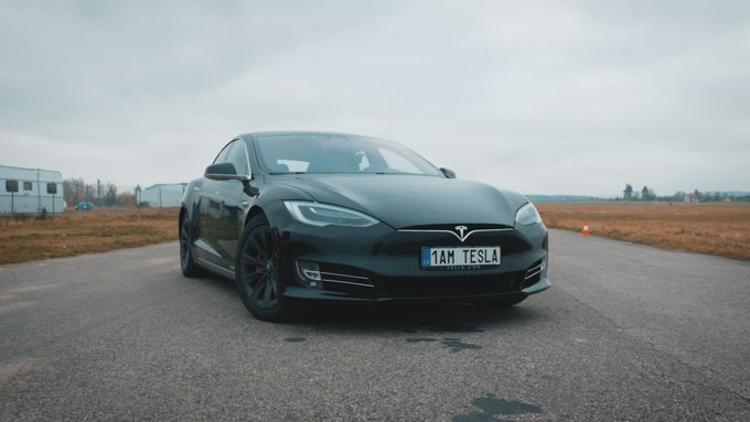 Autoreport - Tesla model S