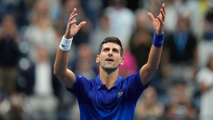 Pojďme na to, budu hrát, jako by to byl můj poslední zápas v životě, hecuje Djokovič; Zdroj foto: Reuters