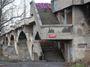 Libeňský most. Kde se bere ten zvrhlý přístup, nechat něco spadnout a pak slavně investovat?