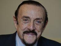Východní Evropa se vrací k totalitě, tvrdí autor stanfordského experimentu Zimbardo