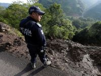 V Mexiku našli kamion se 157 mrtvolami. V márnicích pro těla nebylo místo