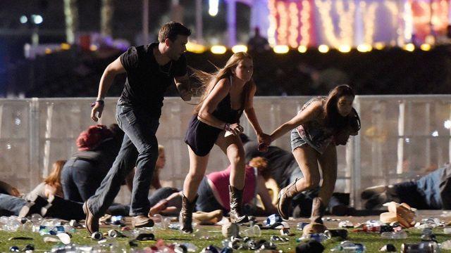Foto: Znělo to nejdřív jako ohňostroj, pak přišel šok. Útočník v Las Vegas bezhlavě pálil do lidí