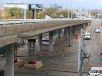 Auta se vrátí do dvou týdnů na most u Vltavské v Praze, nákladní vozy mají zákaz dál