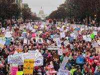 Živě: Statisíce demonstrovaly za práva žen a proti Trumpovi, účast zastínila inauguraci