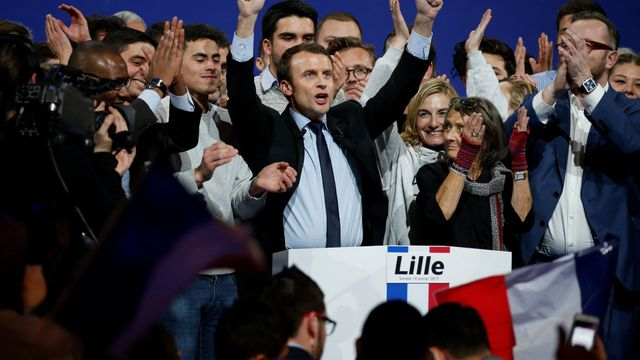 Nezávislý prezidentský kandidát Emmanuel Macron.
