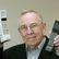Mobilní telefon slaví 35 let. Podívejte se, jak se z cihly stal smartphone