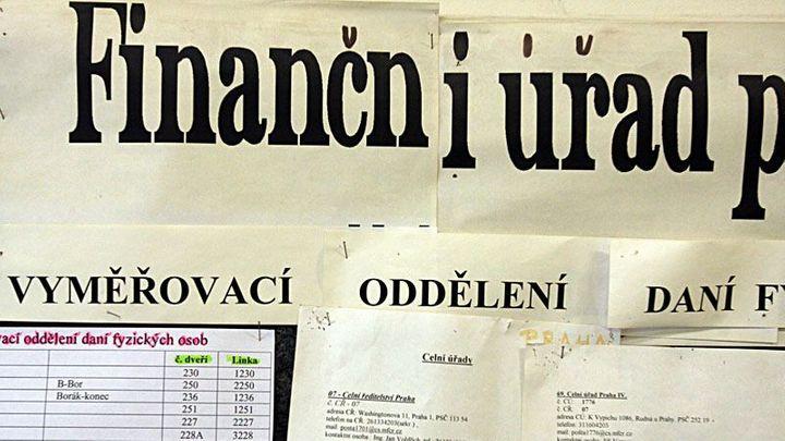 Daňová nejistota je v Česku větším problémem než jinde