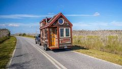 Tiny House, Giant Journey