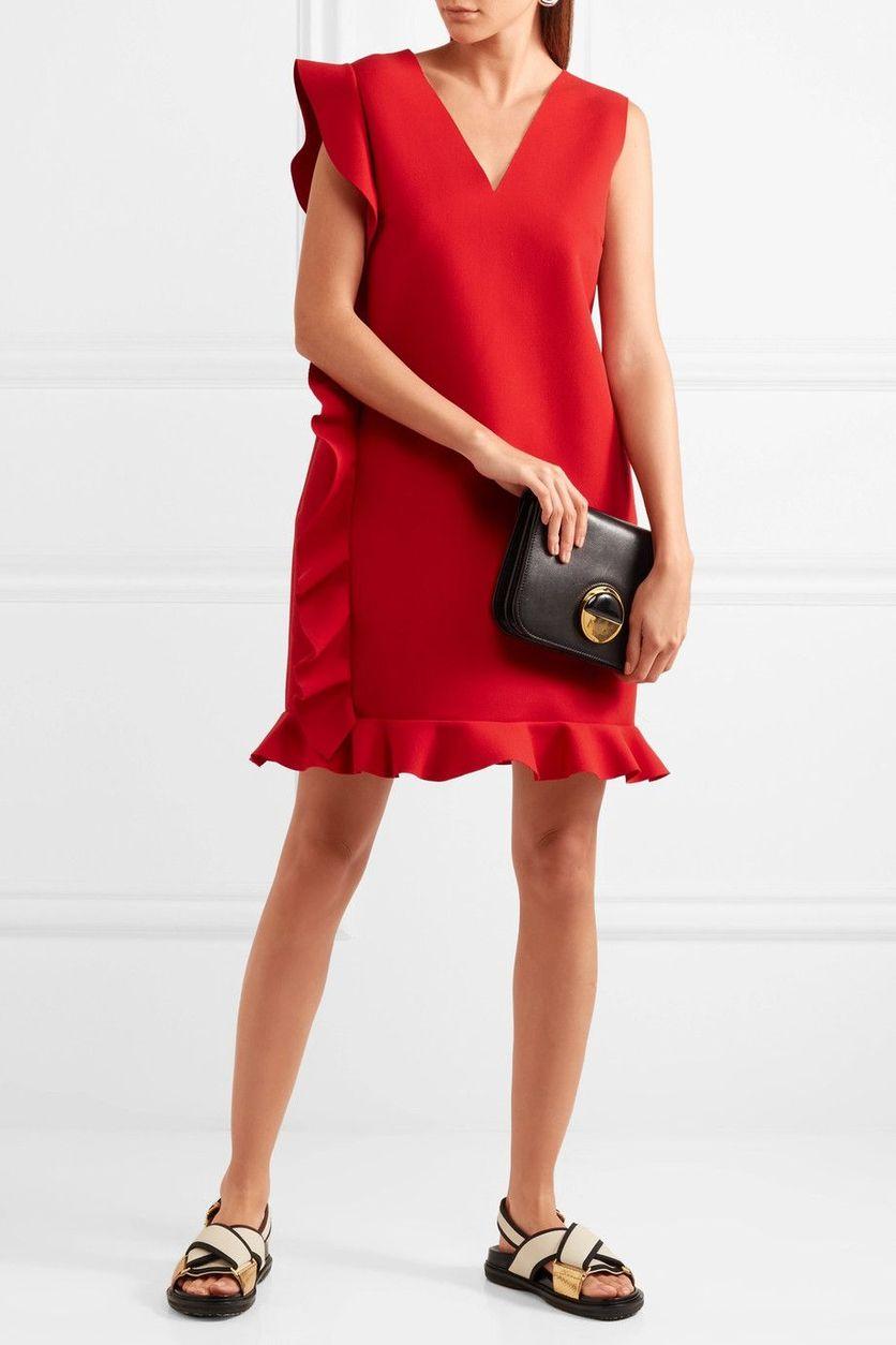 Co si vzít na vánoční večírek  Absolutním hitem jsou červené šaty. 21 26  Prohlédnout znovu Zavřít galerii. šaty 45610d12d1