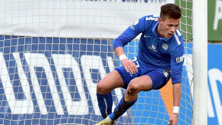 Vyloučením oslabená Mladá Boleslav prohrála v Makedonii. Liberec otočil zápas s Admirou