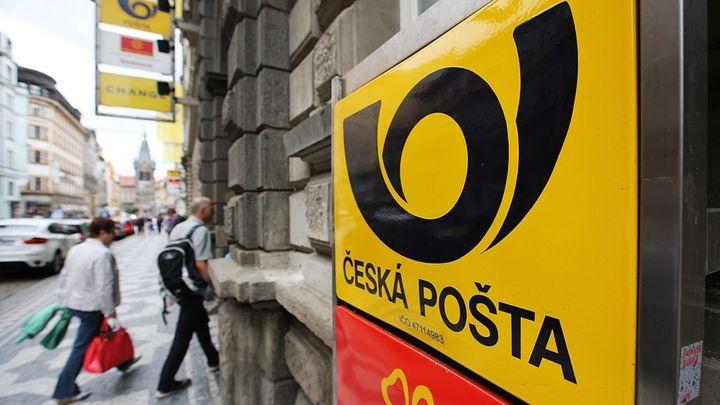 Za ztrátové služby má Česká pošta dostat méně, než chtěla