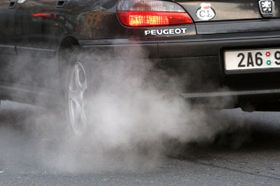 Crazy for cars, Czechs fail to curb greenhouse gases