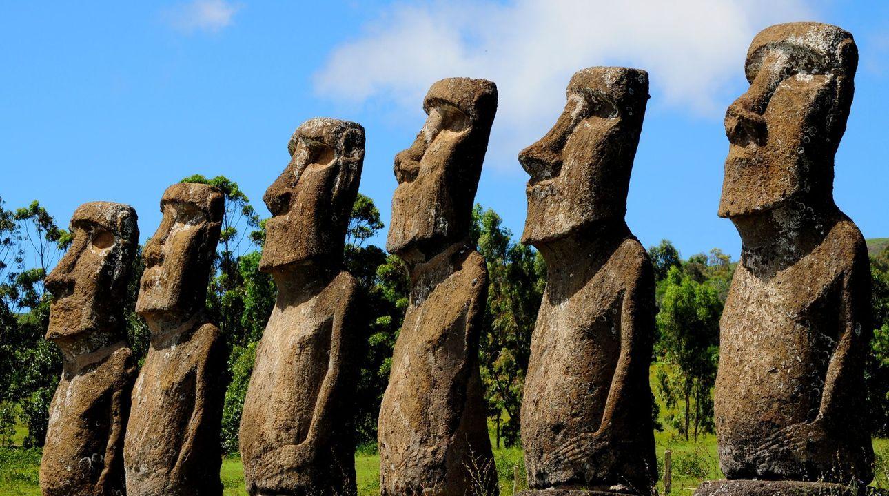 Záhada rozluštěna. Vědci zjistili, proč na Velikonočním ostrově stojí slavné sochy