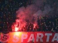 Italská policie zadržela dvanáct fanoušků fotbalistů Sparty