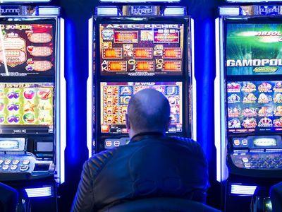Počet hracích automatů vzrostl za rok o pětinu. Jsou jen na papíře, uklidňuje ministerstvo financí