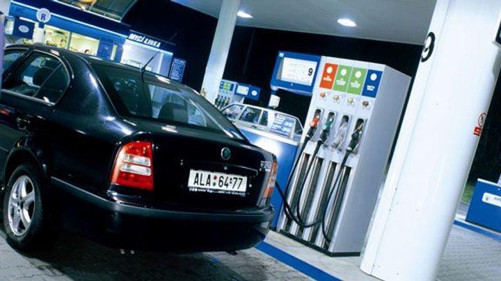Dvacetimilionová kauce za benzin? Ústavní soud nařídil změnu