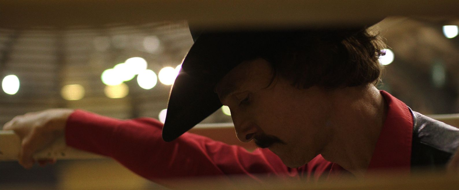 a look at the gay community and the aids virus in dallas buyers club a movie by jean marc vallee The movie: for all the talk about matthew mcconaughey being a nice guy who you would love to party with, the guy has been on a roll as of late career wise, whether it is portraying a strip club owner.