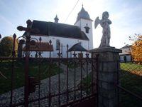 Volby v Číhošti, středu Česka: Zdejšího faráře Toufara komunisti umučili, přesto je místní volí dál