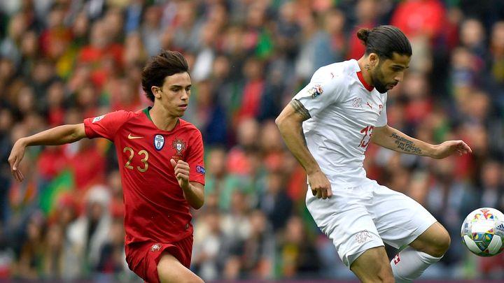 Atlético prodá Griezmanna do Barcy, obratem koupí za tři miliardy portugalský zázrak